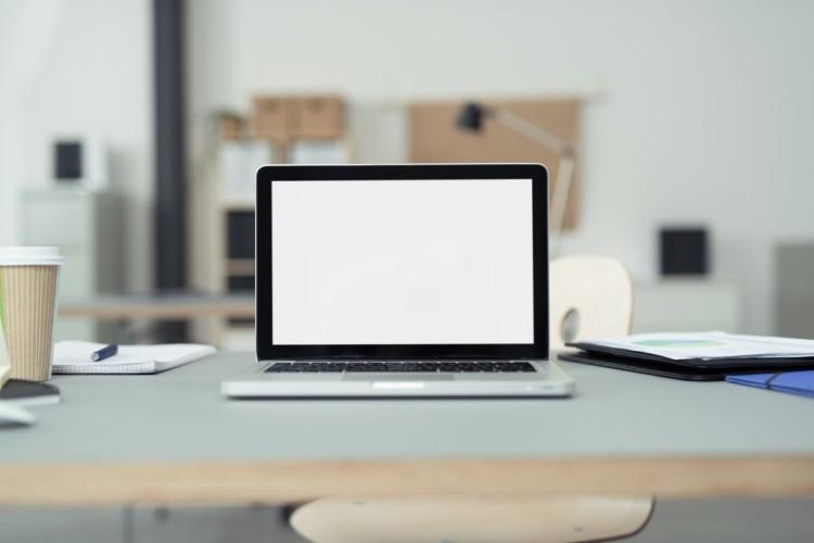 Close up Laptop-Computer auf einem Bürotisch