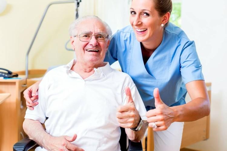 Wie findet man die richtigen Pflegekräfte